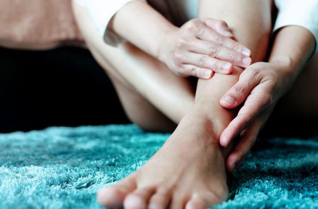 artrite alla caviglia